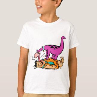 Dino, der FredFlintstone leckt T-Shirt