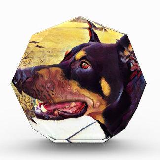 Dobermann-Strudel-Farbe 2 Acryl Auszeichnung