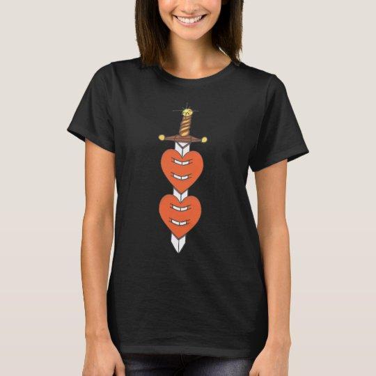 Dolch durch Herzen T-Shirt