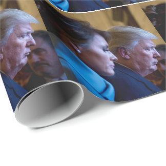 Donald- u. Melania-Trumpf am Einweihungs-Tag Geschenkpapier