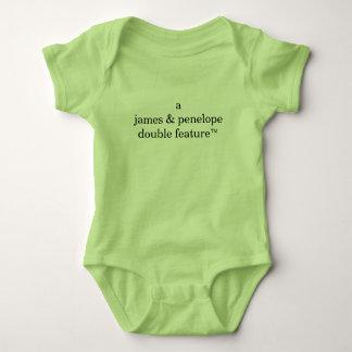 Doppelte Eigenschaft A (die Namen der Eltern hier) Baby Strampler
