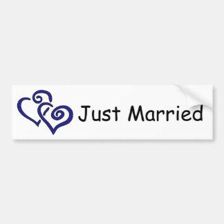 Doppelter blauer Herz-gerade verheirateter Autoaufkleber