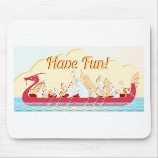 Drache-Boot - Feuer-Drache - haben Sie Spaß Mauspads