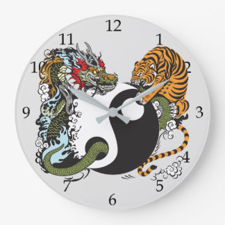 Drache und Tiger Fighting Große Wanduhr