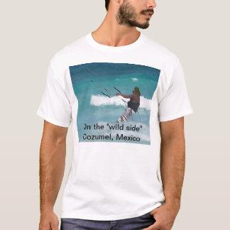 """Drachen-Boarding auf der """"wilden Seite """" T-Shirt"""