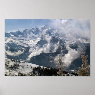 Drastische Ansicht von Mont Blanc Poster