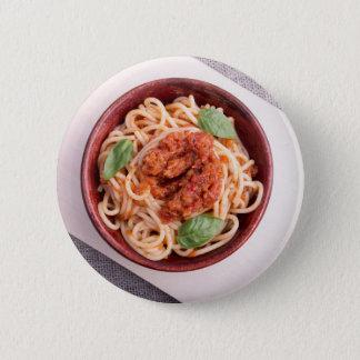 Draufsicht der gekochten Spaghettis mit Tomate Runder Button 5,1 Cm