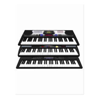 Drei moderne Tastaturen: Synthesizer: Postkarte