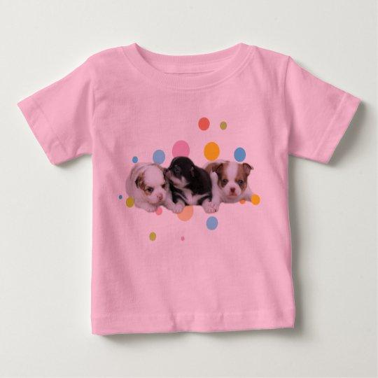 Drei niedliche Welpen (Hunde) Baby T-shirt
