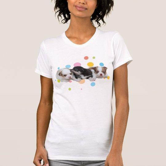 Drei niedliche Welpen (Hunde) T-Shirt