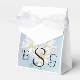 Drei weiße Gänseblümchen, die Produkte Wedding Geschenkschachtel