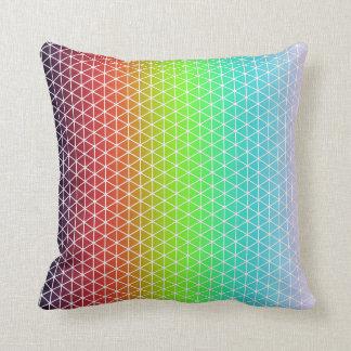 Dreieck-Regenbogen-geometrischer Kissen