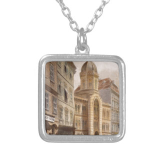 Dreifaltigkeit-griechische Kirche, Wien durch Halskette Mit Quadratischem Anhänger