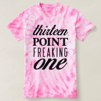 Dreizehn Punkt, der ein Krawatten-rosa T-Stück T-shirt