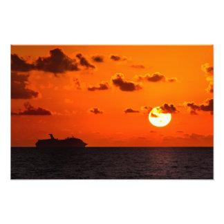 Druck - Kreuzschiff am Sonnenaufgang - Cancun,