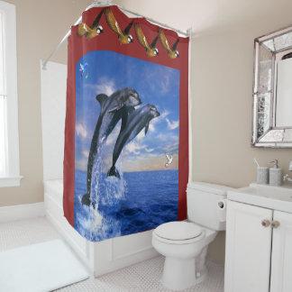 Dunkelroter Hintergrund des DelphinDuschvorhangs Duschvorhang