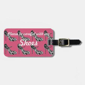 Dunkler rosa Gepäckanhänger für den