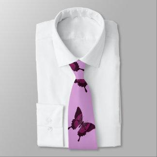 Dunkler rosa Schmetterling mit rosa backround Personalisierte Krawatte