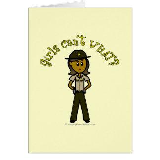 Dunkles Brown-Sheriff-Mädchen Karte