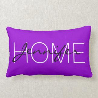 Dunkles violettes FarbZuhausemonogramm Zierkissen