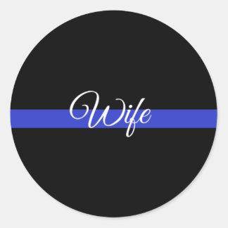 Dünnes Blue Line: Polizei-Ehefrau Runder Aufkleber