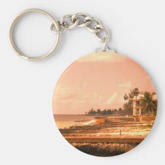 Durch den Ozean (Pfirsich-Ton) Schlüsselanhänger