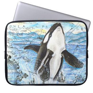 Durchbrechen der Schwertwal-alten Karte Laptop Sleeve