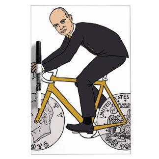Dwight Eisenhower auf Fahrrad mit Trockenlöschtafel