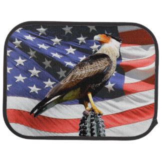 Eagle auf einem Kaktus vor der USA-Flagge Automatte