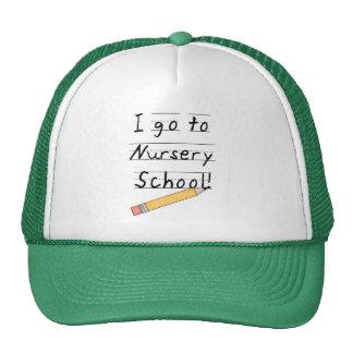 École maternelle rayée de papier et de crayon casquette trucker