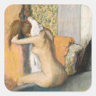 Edgar Degas | nach dem Bad, Frauen-trocknender Quadratischer Aufkleber