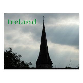 Église Steeple avec l'Irlande Carte Postale