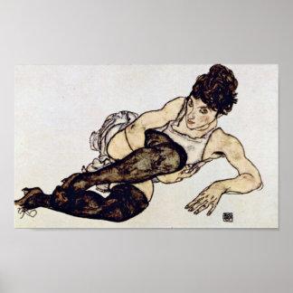 Egon Schiele - Frau mit grünen Strümpfen Poster