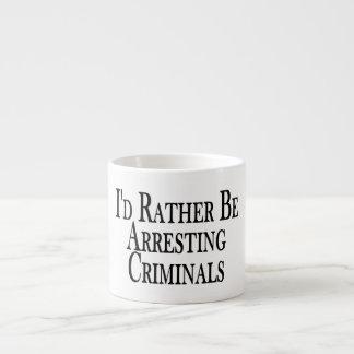 Eher Festnahme-Verbrecher Espressotasse