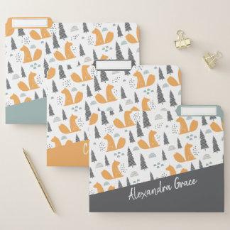 Eichhörnchen-Muster-graues orange grünes Papiermappe