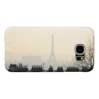 Eiffelturm Paris Frankreich an einem nebeligen Tag