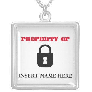 Eigentum… des Halskettenanhängers Versilberte Kette