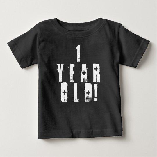 Ein altes niedliches Baby-Shirt des jährigen Baby T-shirt