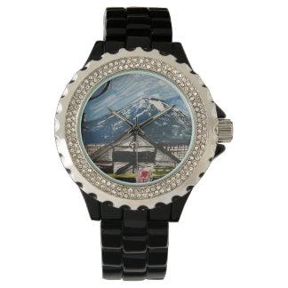 Ein einer Uhr des Arten-Fujisans Japan