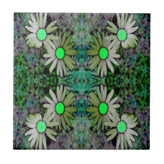 ein GreenGlowingDaisyX Z.JPG Kleine Quadratische Fliese