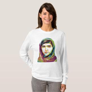 Ein grundlegender langer die Hülsen-T - Shirt der
