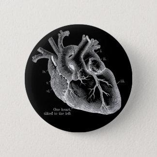 Ein Herz, gekippt zu dem links Runder Button 5,7 Cm