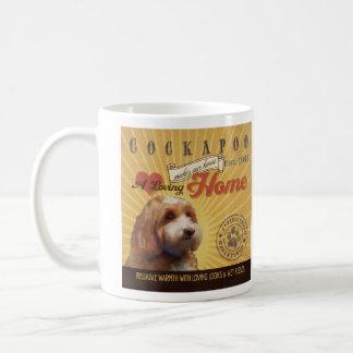 Ein liebevolles Cockapoo macht unser Haus-Zuhause Kaffeetasse