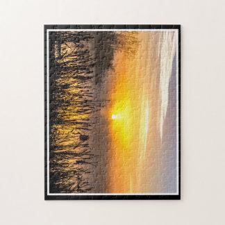 Ein nebeliges Puzzlespiel des Sonnenaufgang-11x14