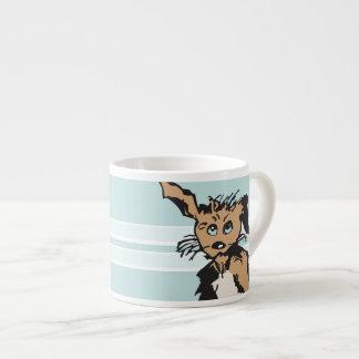 Ein niedlicher Hund mit blauen Welpen-Augen Espressotasse