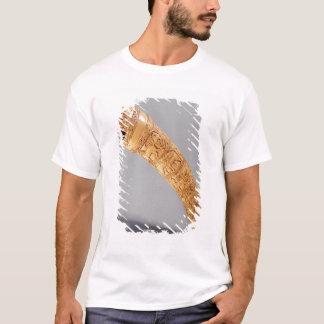 Ein oliphant, vom Schatz von St. Sernin T-Shirt