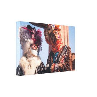 Ein Paar im Venedig-Karneval Leinwanddruck
