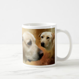 Ein Paar Labrador-Retriever-Hunde Kaffeetasse