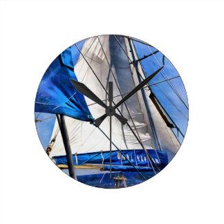 Ein Seemann ist ein Künstler und sein Medium der Runde Wanduhr
