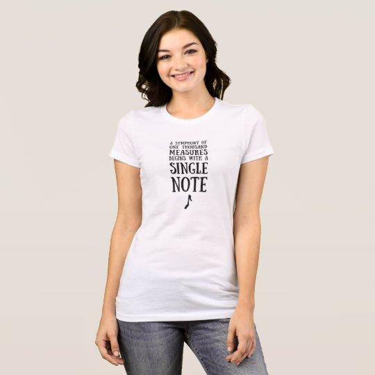 Ein T - Shirt der Single-Anmerkungs-Frauen